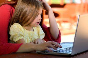 child_girl_young_caucasian_childhood_daughter_children_computer-1057541.jpg!d