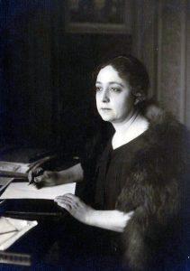 Huda Shaarawi, anni venti